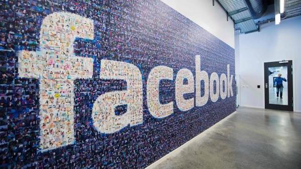 Facebook работает над устройством для видеообщения между пользователями