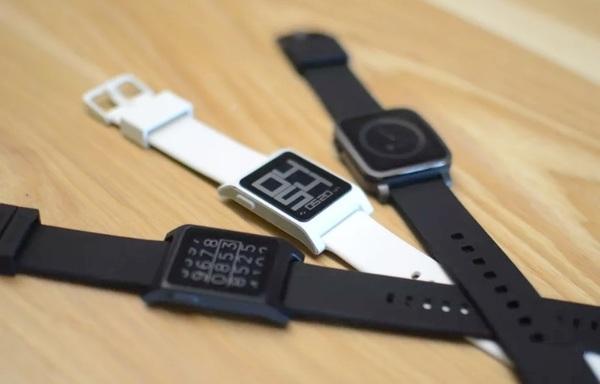 Fitbit купил Pebble на $17 миллионов дешевле, чем предполагалось