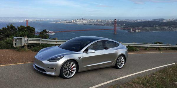 Tesla удалось убедить часть клиентов отменить предзаказ на дефицитную Tesla Model 3
