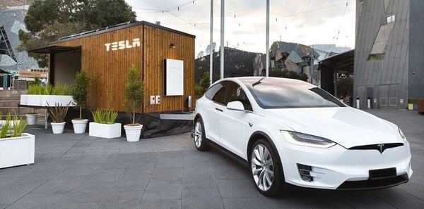 Представлен мобильный энергонезависимый дом Tesla