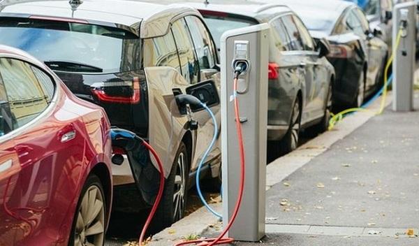 В Украине могут принять новые законы, стимулирующие переход на электромобили