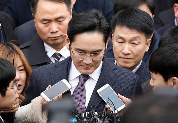 Фактического главу Samsung могут отправить за решётку на 12 лет