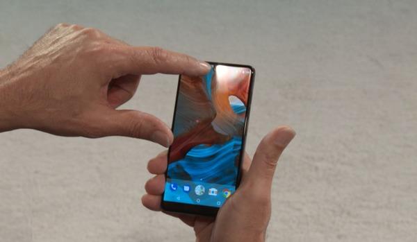 Tencent и Amazon инвестировали в многообещающего производителя смартфонов Essential