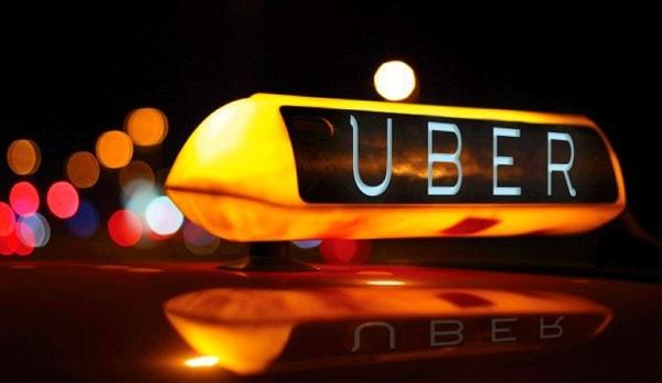 От шапки до попугая: в Uber рассказали о том, что забывают в такси украинцы