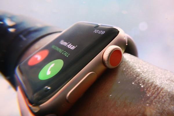 Apple представила Apple Watch 3, реклама для которых снималась в Киеве