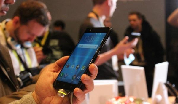 ASUS представил новый флагман ZenFone 3 Zoom