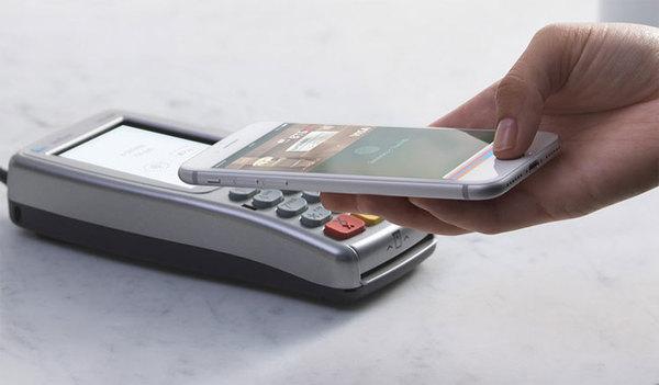 Apple Pay может начать работу в Украине в следующем году