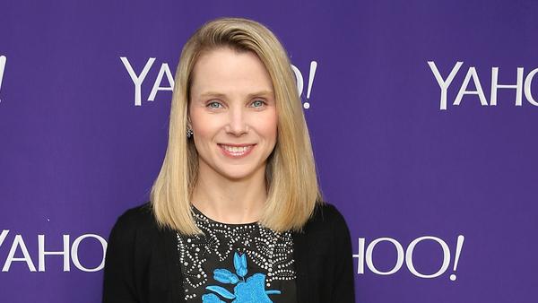 Глава Yahoo Марисса Майер уйдет из компании после ее продажи Verizon