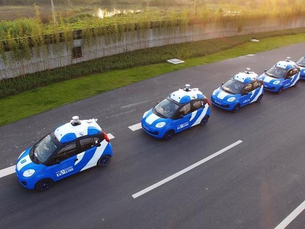 Робомобили Baidu начали возить пассажиров
