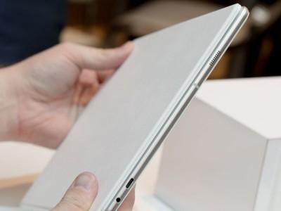 Samsung представил первый планшет линейки Galaxy на базе Windows 10 (ФОТО)