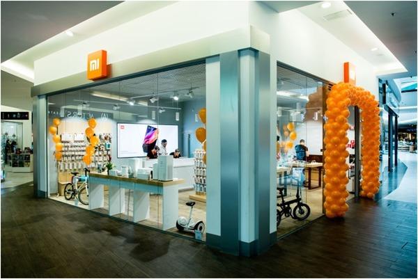 В Украине открылся первый фирменный магазин Xiaomi, на очереди еще два