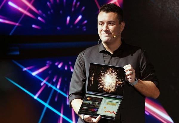 ASUS представила уникальный ноутбук с двумя дисплеями