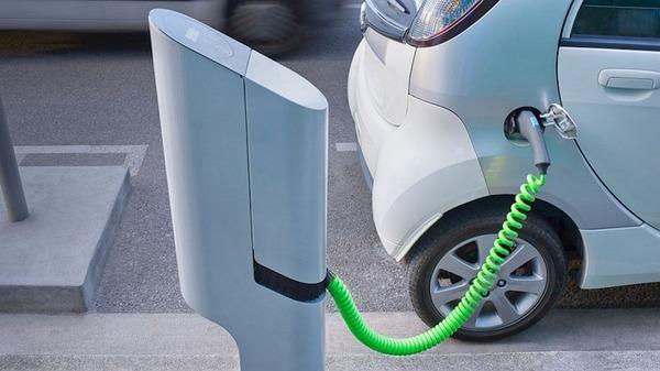 General Motors инвестирует в создание сверхбыстрой зарядки для электромобилей