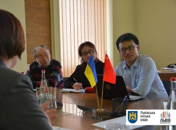 Китайская компания хочет производить в Украине электробусы
