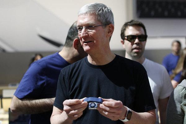 Apple Watch установили рекорд по продажам в праздничный период