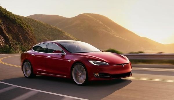 Электромобили Tesla станут еще динамичнее