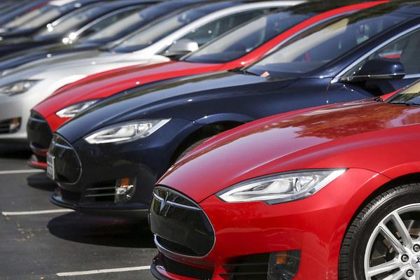 Tesla обогнала General Motors по капитализации и стала самым дорогим автопроизводителем США