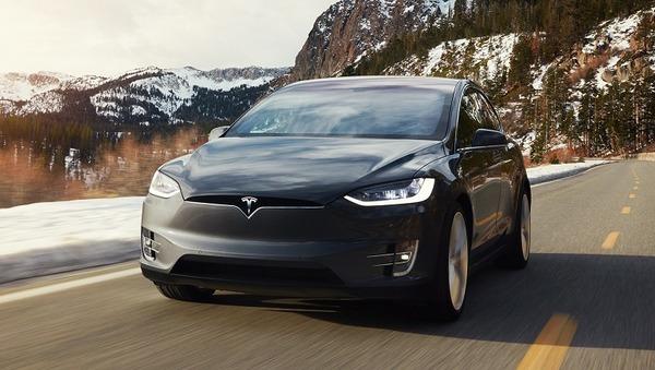 Tesla собирается снизить стоимость электрокара Tesla Model X