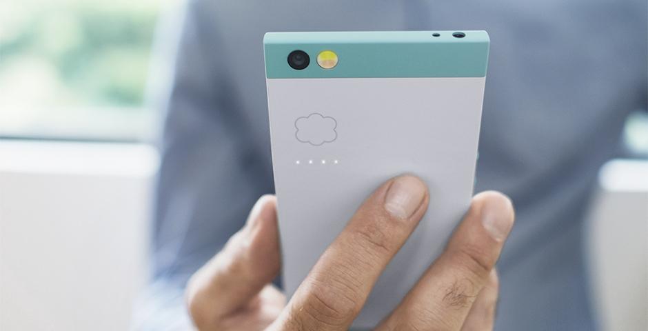 Первый в мире «облачный» смартфон вышел на рынок