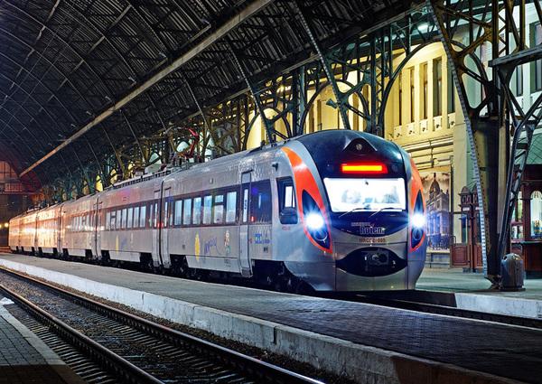«Укрзализныця» выпустила iOS-приложение для покупки билетов на поезда