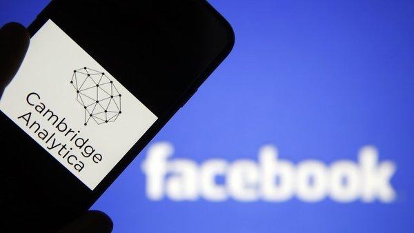 Причастная к утечке данных пользователей Facebook компания Cambridge Analytica закрывается