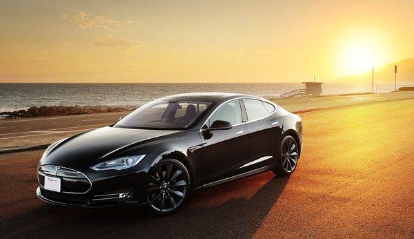 Беспилотная Tesla проедет через всю Америку без водителя