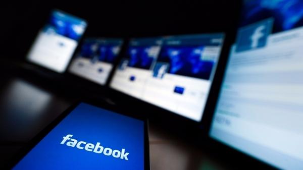 Facebook хочет добавить рекламу в середину видеороликов