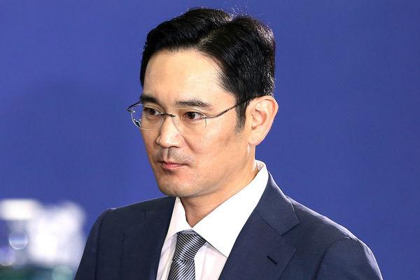 Южнокорейская прокуратура требует ареста руководителя Samsung