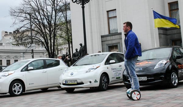 Ежедневно 20 украинцев пересаживаются на электромобили