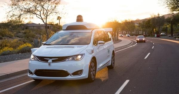 Waymo начнет испытывать в Калифорнии робомобили без страхующего водителя
