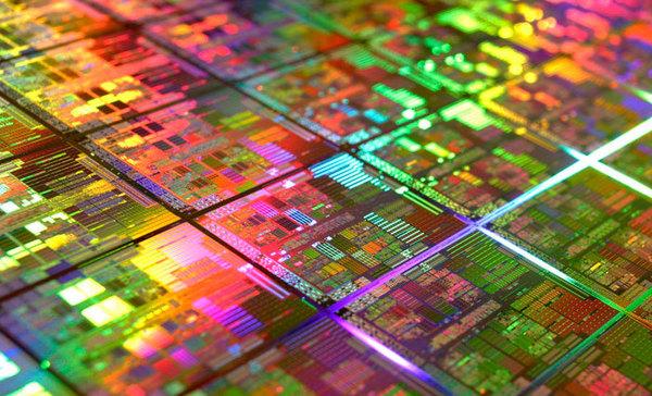 Samsung первой начала выпускать процессоры по 10-нм технологии