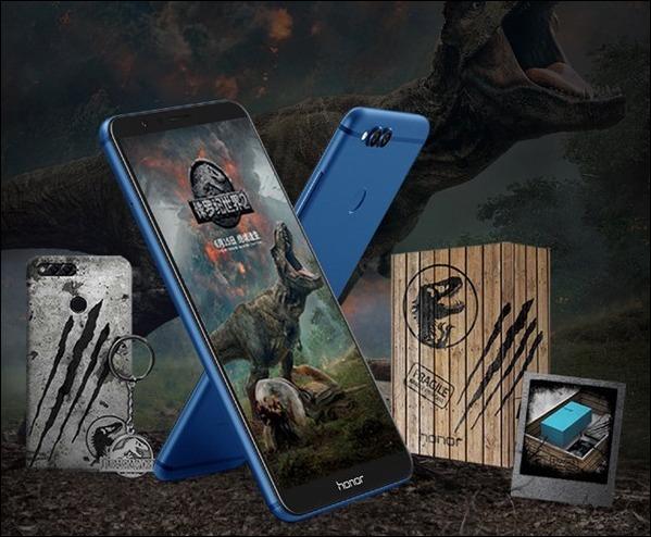 Huawei выпустила особую версию Honor 7X в честь фильма «Мир Юрского периода 2»