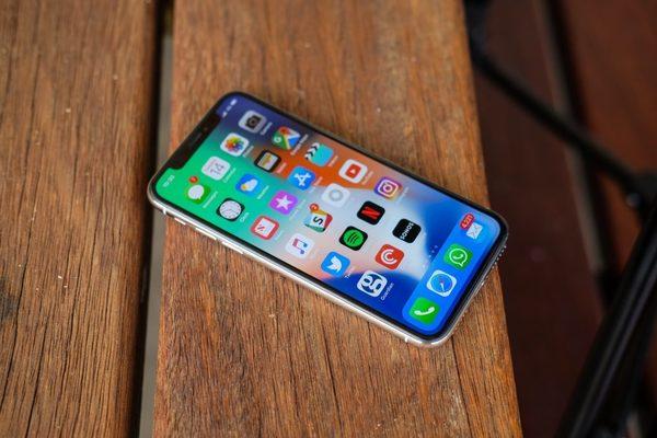 Продажи iPhone X не оправдали ожидания аналитиков