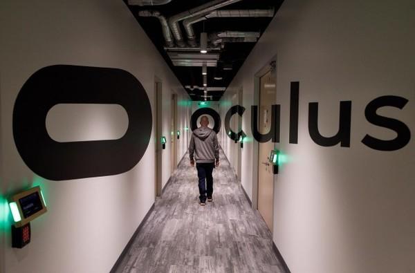 Цукерберг показал лабораторию Oculus