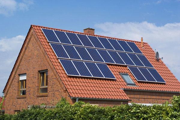 Верховная Рада планирует ввести налоговые льготы на покупку солнечных панелей и ветрогенераторов