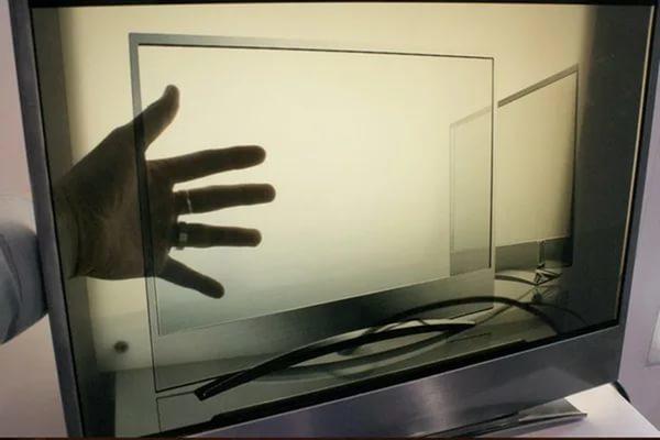 Panasonic выведет на рынок прозрачные экраны