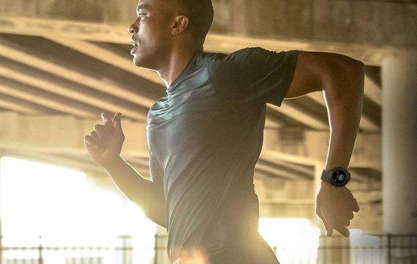 New Balance выпустил собственные смарт-часы