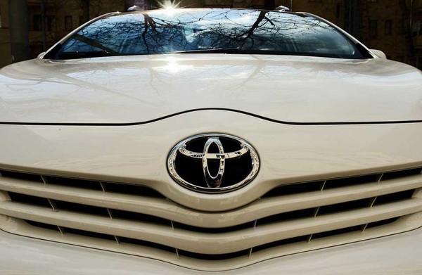 В Toyota считают, что о массовом производстве электромобилей говорить рано