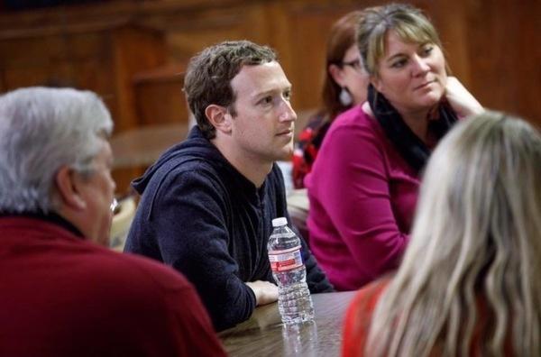 Цукерберг назвал себя «лучшим руководителем» для Facebook вопреки скандалу с утечкой данных