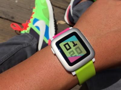 Смарт-часы Pebble научились следить за здоровьем