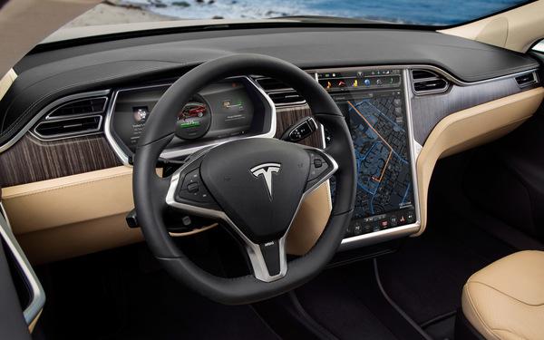 Tesla вошла в десятку наиболее дорогих автомобильных брендов