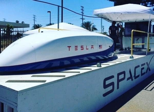 Капсула Tesla для системы Hyperloop разогналась до рекордных 355 километров в час