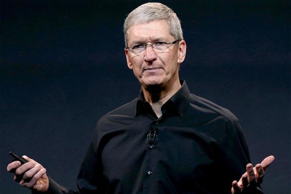 Apple сократила зарплату Тиму Куку из-за плохих финансовых показателей