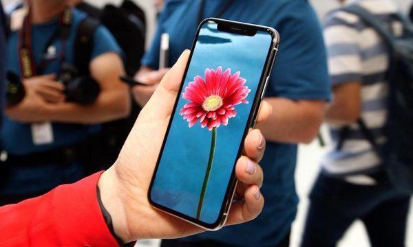 Успешность iPhone X определит будущее Apple