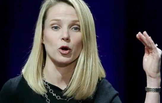 «Золотой парашют» главы Yahoo в случае увольнения составит $55 миллионов