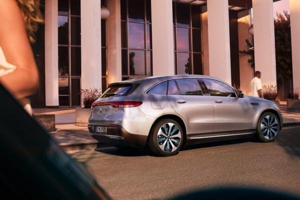 Mercedes-Benz представил свой первый серийный электромобиль