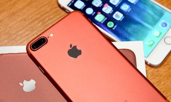 Аналитики назвали самые продаваемые в мире смартфоны