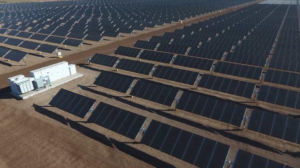 В Индии целый город полностью перешел на солнечную энергию
