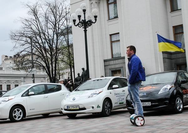 В Украине зарегистрировано уже 6,6 тясячи электромобилей