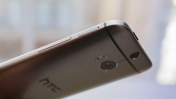 Google планирует купить мобильный бизнес HTC